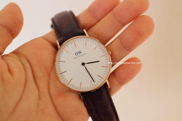 この時計は買って1年と少しだったので、もしかして保証がきいてタダで替えてもらえるかも?!早速お問い合わせフォームから聞いてみました。  ダニエルウェリントン